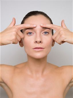 Face Massaging Workouts To Age-Regress Your Face Towards An All Non-Surgical Facelift