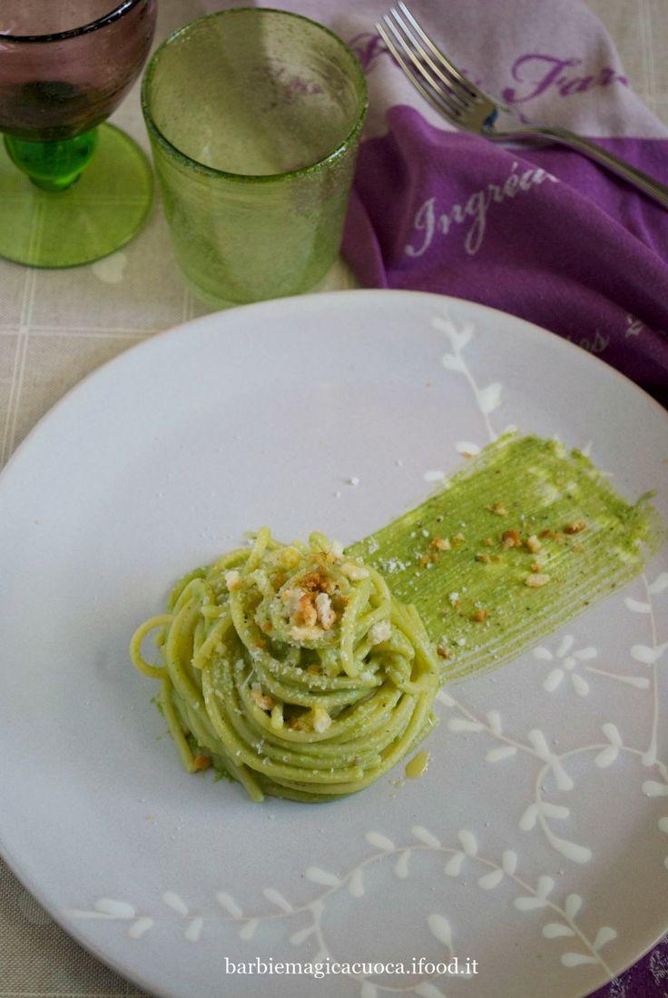 pesto di broccoli mandorle e pecorino