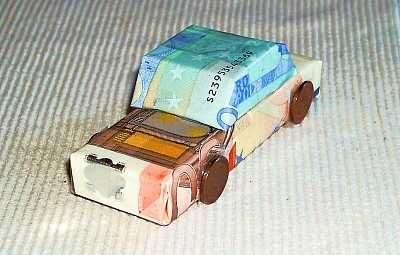 http://www.geburtstagsgeschenke.eu/geldscheine-falten.html