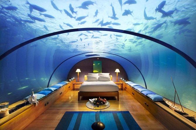 Poseidon Undersea Resort: l'hotel sottomarino sui fondali delle Fiji.  via @portedilo
