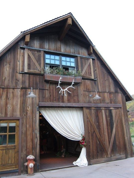 barn#Wedding Ideas #Wedding Photos