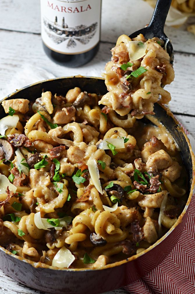 One Pot Creamy Chicken Marsala Pasta. You cook the noodles, sauce, and chicken all together to make an extra-flavorful dish. Not to mention, clean up is a breeze when there's only one pot to be washed!! #OnePotPasta
