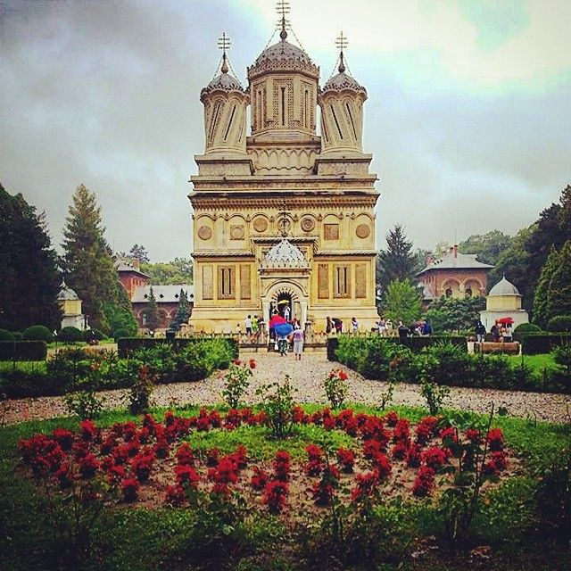 Monastery Curtea de Arges - Romania. #travel #romania #monastery #curteadearges #greatview #roundtripromania #fun