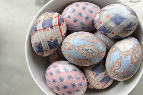 tie dyed eggs