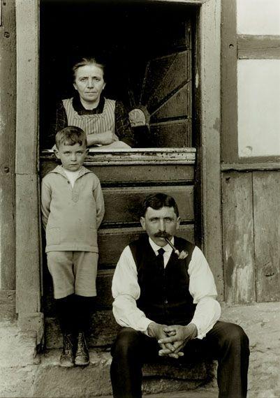 August Sander: Family from the Eifel Highlands, ca. 1930