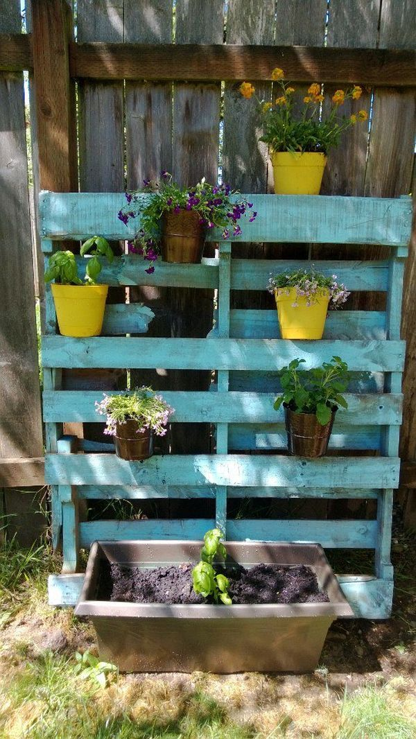 Creative Outdoor Uses for Pallet Boards
