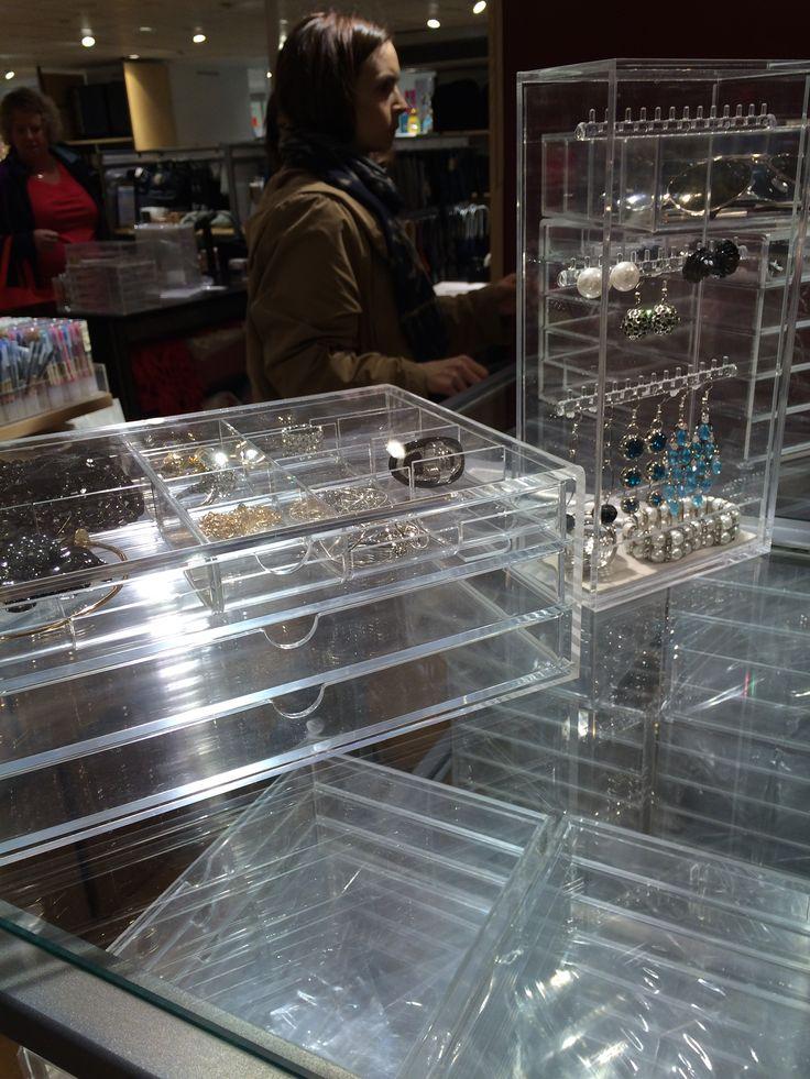 Smyckesförvaring, MUJI på Åhléns city