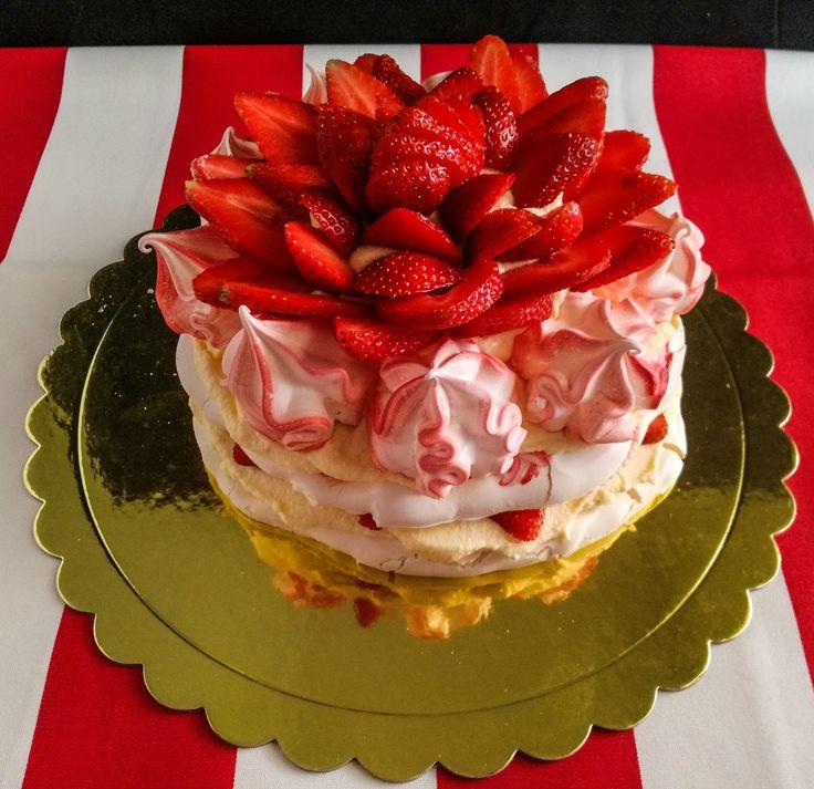 Pavlova με φράουλες!