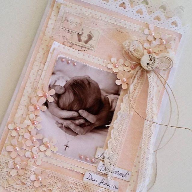 Dåpskort laget på bestilling  #dåpskort #dåp #kort #kortlaging #baptismcard #baptism #babygirl #cardmaking #scrapping #papercraft #craft #piondesign #lace #homemadecard #madebyme #DIY #instacraft