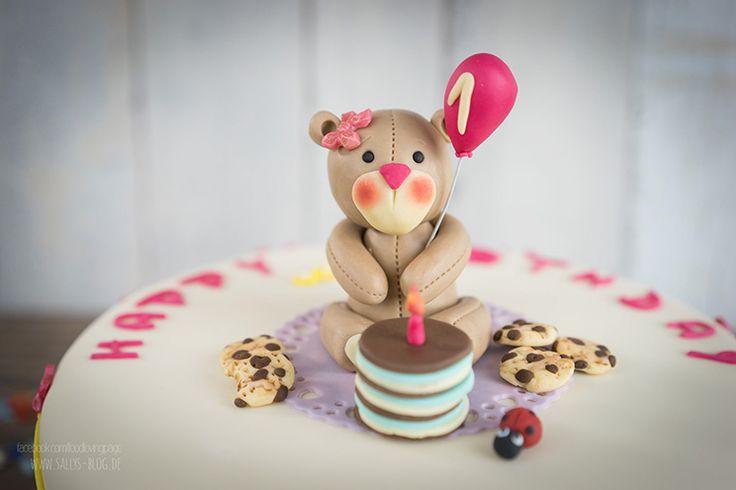 Kinder Geburtstagstorte mit Teddy / fruchtige Vanilletorte