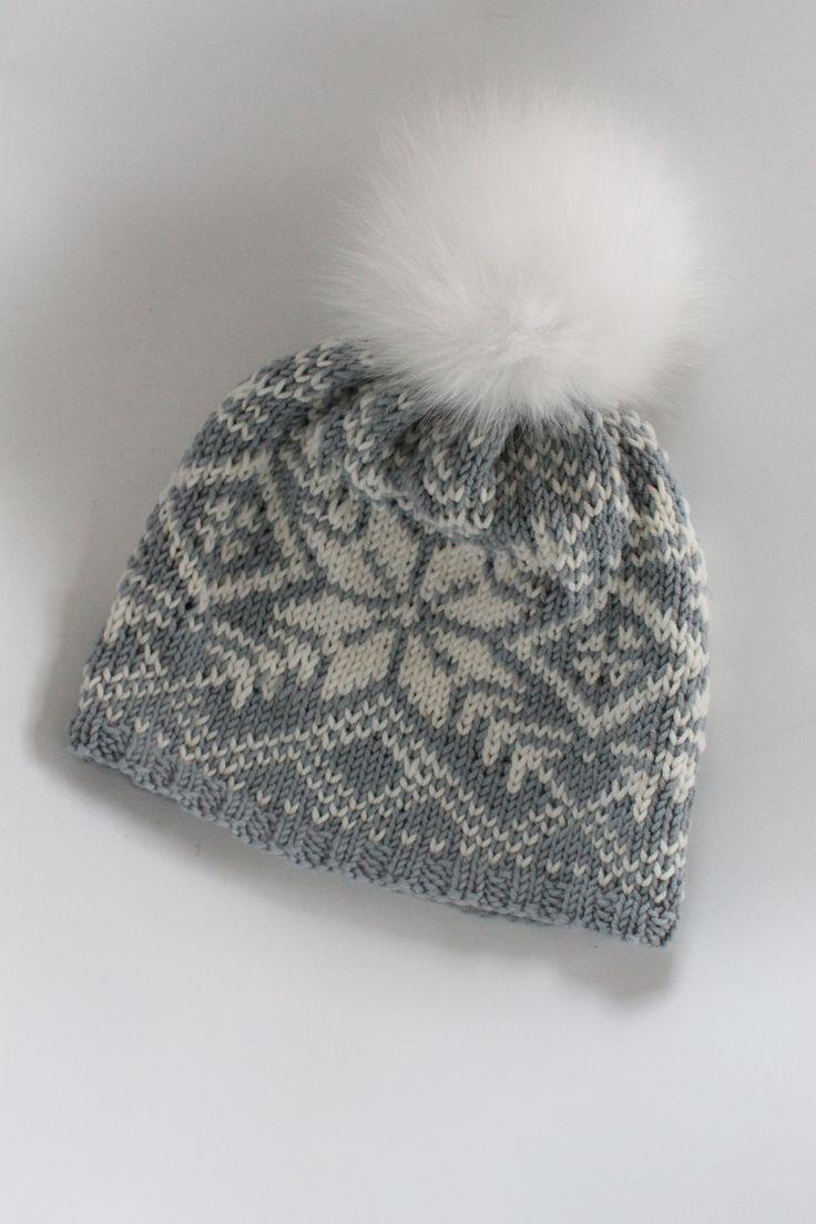 Knitted hat in merino -wool in traditional norwegian pattern