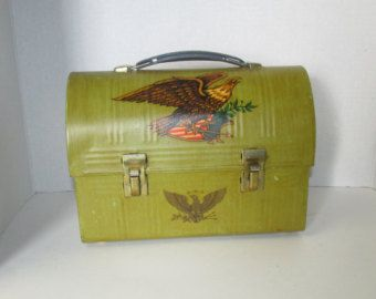 Vintage Aladdin Industries Green Metal Lunch box With Eagles / Retro Metal Tin Lunch Pail / USA Americana Decor Eagles