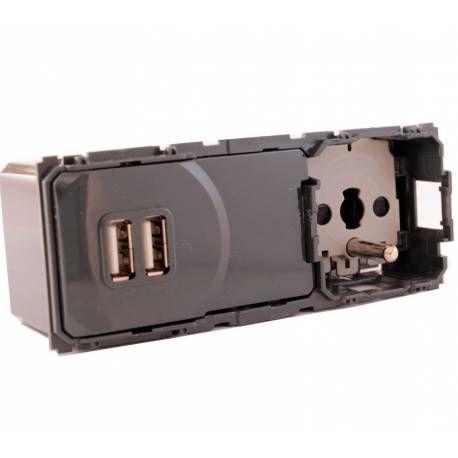 prise électrique et chargeur USB double precable
