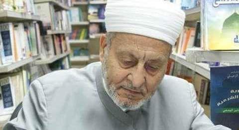 الدكتور وهبة الزحيلى #سوريا  http://shamela.ws/index.php/author/1052  http://ar.islamway.net/scholar/3856/%D9%88%D9%87%D8%A8%D8%A9-%D8%A7%D9%84%D8%B2%D8%AD%D9%8A%D9%84%D9%8A  http://www.tafsir.net/scholar/444