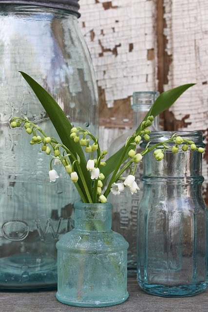 .: Decor, 52 Fleas, Vintage Jars, Sweet Lilies, Glasses Jars, Old Bottle, Flowers, Mason Jars, Antiques