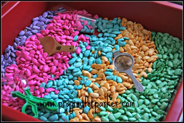 Coloring Lima Beans for Learning and Crafts  Usually, when people think of sensory boxes they think of colored rice.  Colored rice, lentils, birdseed are all items that work great in sensory boxes.  Today I'm going to show how to color lima beans for learning and crafts and  sensory boxes too!