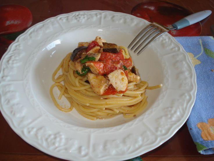spaghetti pesce spada e melanzane, una ricetta del sud Italia ricca di sapori e aromi, ottima da gustare sia per pranzo che per cena