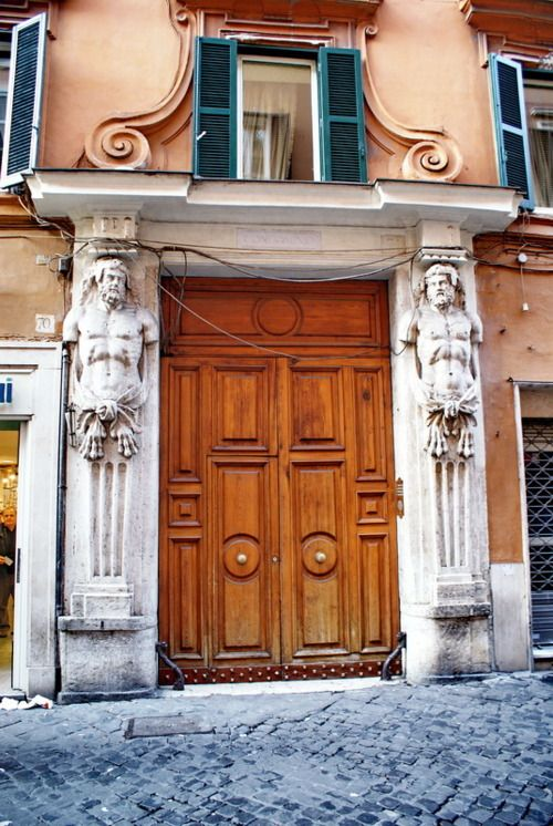 (via Door, a photo from Rome, Lazio   TrekEarth)  Rome, Lazio, Italy