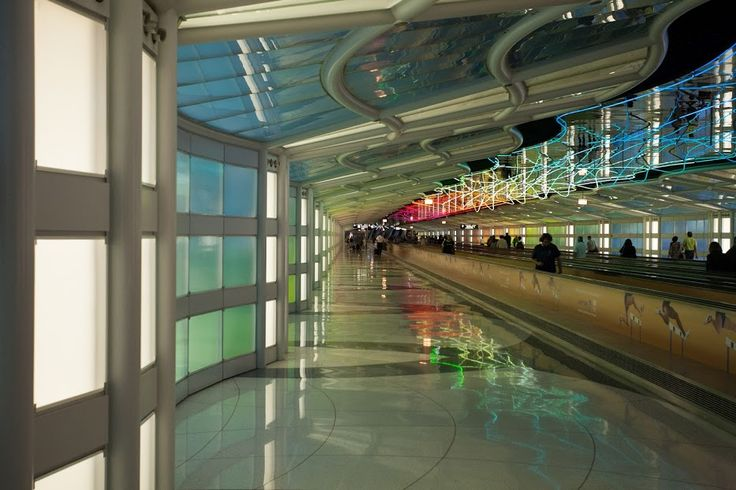 A tunnel joining two terminals at Chicago' s O' Hare airport