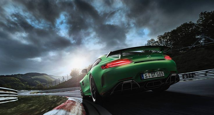 The all-new AMG GT R conquered the Green Hell of Nürburgring in only 7.10,9 minutes.