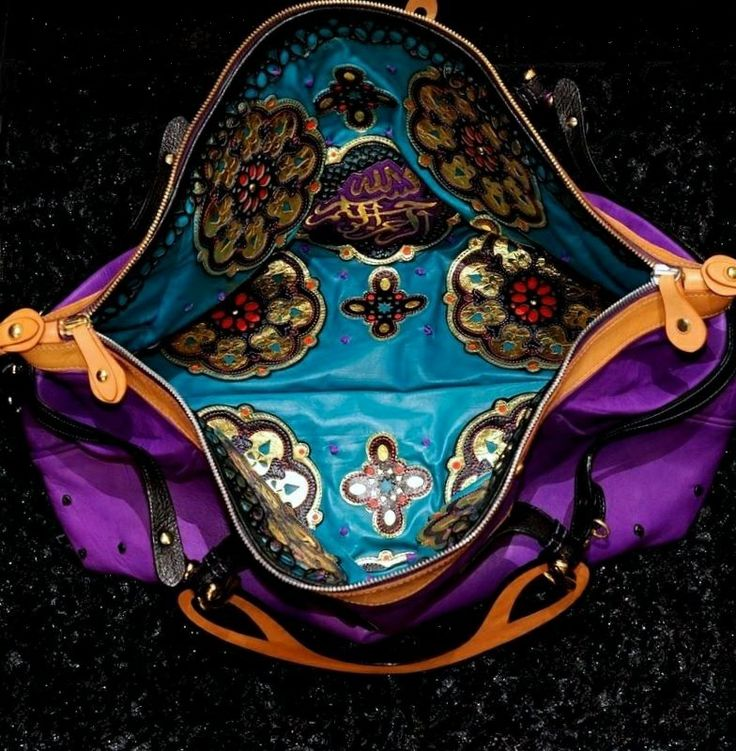 A limited edition capsule collection of three precious handbags. Piece number 1: large size tote, 65 cm length.