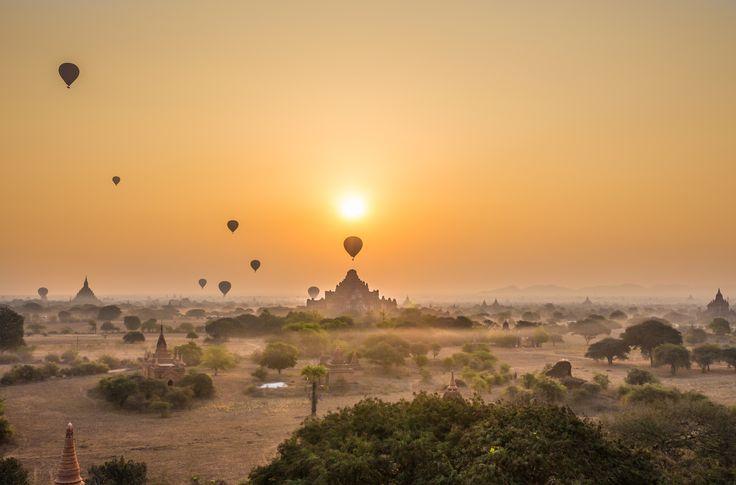Sunrise over Old Bagan