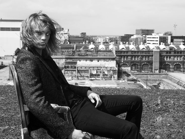Gage Coat Almost Black, Rockandblue AW17.  Photographer: Ricardo Gomes   Model: Måns Åberg