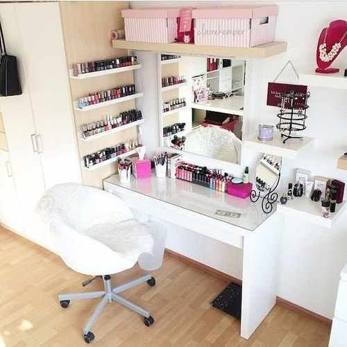 Love the #jewelryorganization and the #makeuporganization in one beautiful space