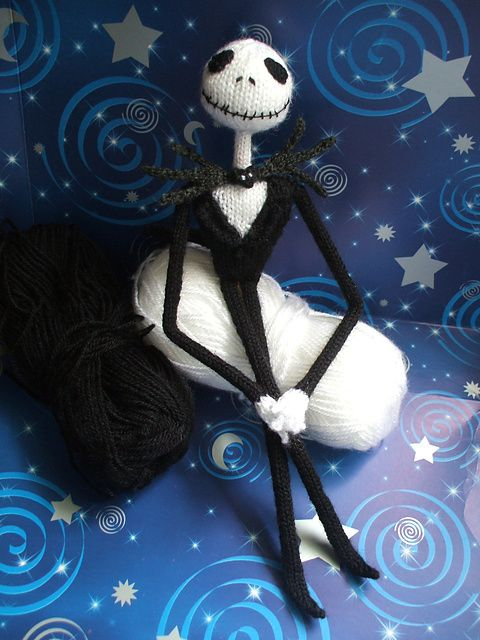 Knitting Pattern Nightmare Before Christmas : 139 best images about Amigurami on Pinterest Free pattern, Hello kitty croc...