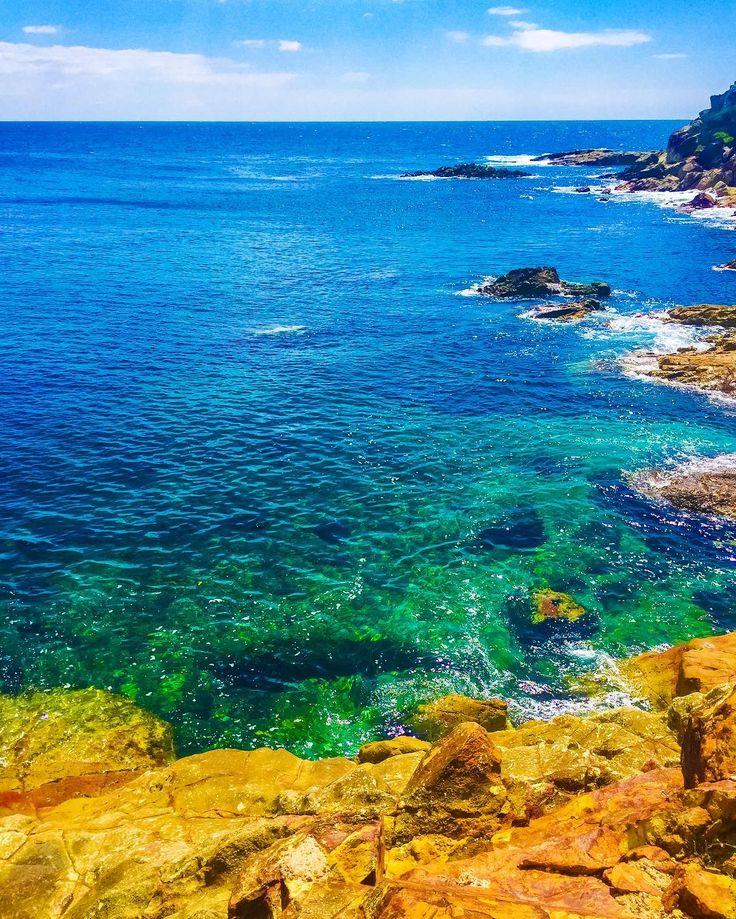 Absolute heaven... Tathra beach is so beautiful!  #tathra #tathrabeach #tathrawharf #saphirecoast #newsouthwales #southcoast #nsw #coastal #australia #australianbeaches #nature #naturephotography #rocks #earth #planetearth #littlethings #colourpop #colourtherapy #travel #roadtrip #travelphotography #rocks #naturelovers #nswtourism #nswcoast #nswcentralcoast #nswcountry #waves #boatlife