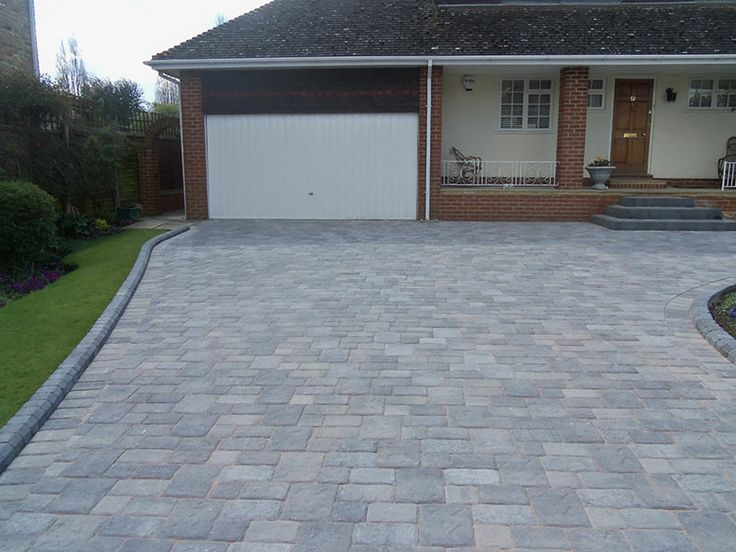 Block paved driveway and front step in Datchet Berkshire | Block Paving Surrey