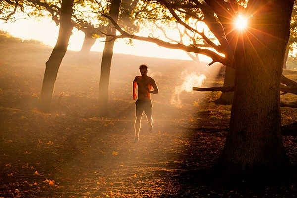 Run first thing in the morning, and you are running on high for the rest of the day!Tricks to run stronger in the mornings and make it less harder to get this routine started. Your muscles are cold from sleeping all night, your blood sugar levels are at their lowest from fasting and your mind is just booting up for the day!Here's how to wake them up!