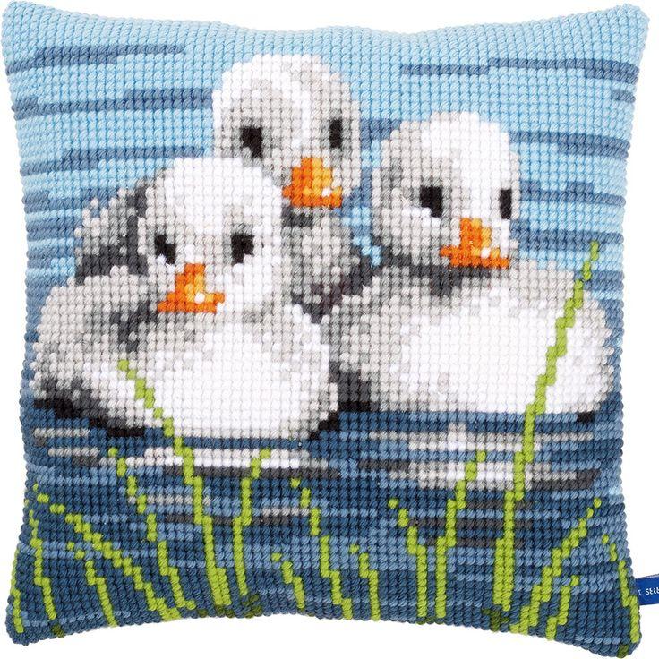 Ducklings in the Water - Kruissteekkussen - Vervaco