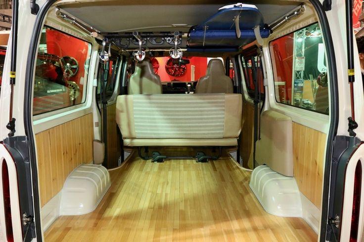 Essex Crs ウッディエース ベース車 ハイエース200系 Trh200v サーフボード収納 木目床張り ネオクラシックスタイル 東京オートサロン2017出展車両 ハイエース ハイエース 内装 車