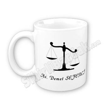 Avukatlara özel hediye sihirli bardak ile ona özel olduğunu hissetirebilir, çay ve kahve keyfini daha keyifli bir hale dönüştürebilirsiniz.   http://www.sihirlibardak.com/mesleki-tasarimlar/avukatlara-ozel-sihirli-bardak.html