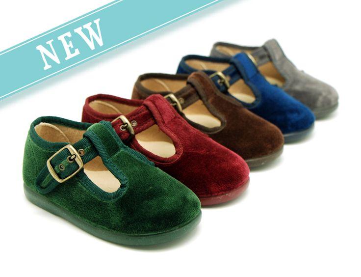 Tienda online de calzado infantil Okaaspain. Pepito de terciopelo. Calidad al mejor precio hecho en España. www.okaaspain.com