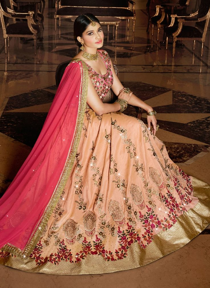 i feel like i would look like a bollywood star in this, even though bollywood stars are probably more avant-garde fashion wise