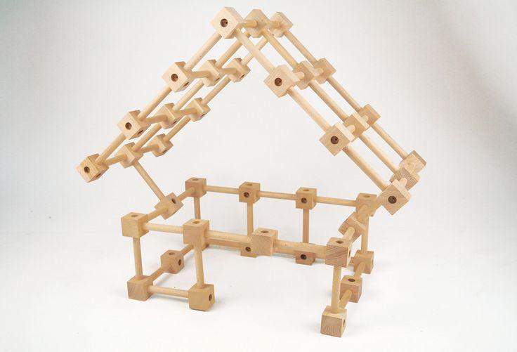 A také trochu praktické ukázky, co se dá ze stavebnice Koobi start složit.