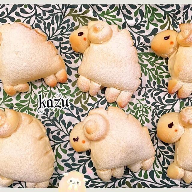さわこさーん✧*。(ˊᗜˋ*)✧*。あけましておめでとうございます♡ ずっと作りたかった、さわこさん羊パン♡ 栗きんとんを入れましたよー♪御節も飽きちゃうので、リメイク出来て良かったです´◡`   羊成形楽しかったです(੭ु´͈ ᐜ `͈)੭ु⁾⁾ 素敵なレシピ(๑ ॣ•͈ٮ•͈ ॣ)♡アリガト♡ございます♡ - 181件のもぐもぐ - さわこさんの料理♪栗きんとん入り羊パン by kazu26