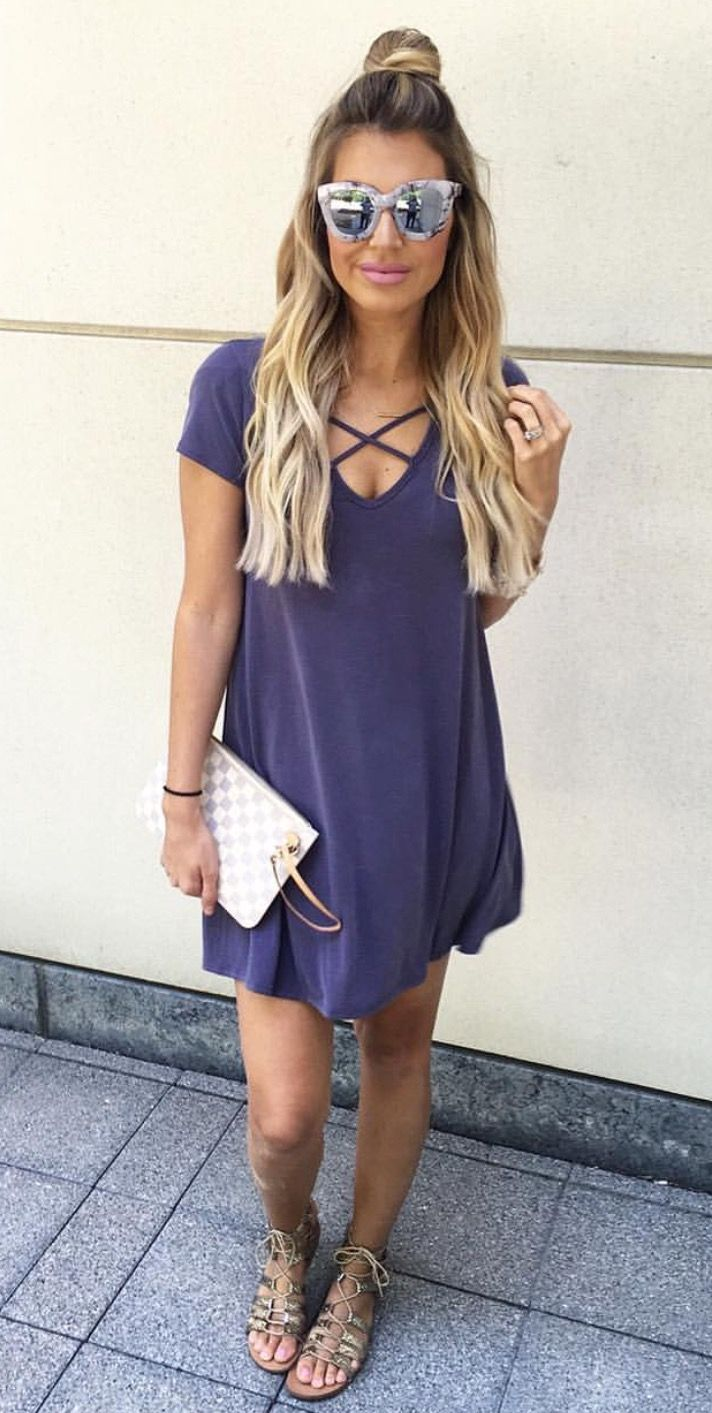 Best ideas to stay cozy amp look stylish in winter fashion amp trend - Tshirt Dresses Are The Best Thing For A Quick Outfit Thats Still Super Cute