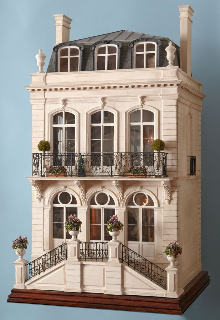 French dollhouse (jt-one of Caroline Hamilton and Jane Fiddick's dolls houses - they used to have the most wonderful display at the Kensington Festival - visit for lots more pics)