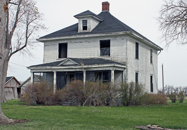 know it would be expensive, time-consuming, frustrating, and crazy, but i think it would be so much fun to fix up an older home!