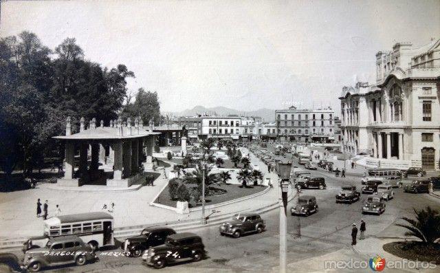Pergolas en la Alameda Central. Foto muy probablemente de los años 40's.