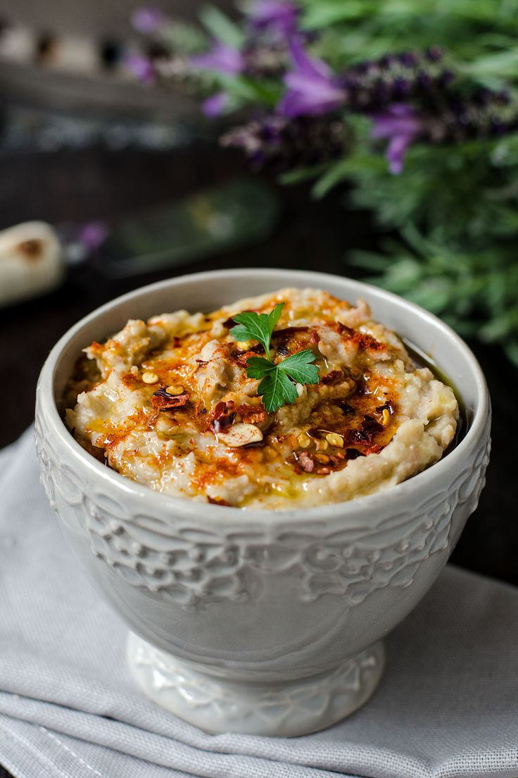 Hummus in flower