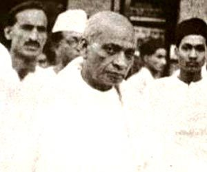 the life and history of sardar Centre for studies and research on life and works of sardar vallabhbhai patel is  situated in vadodara in gujarat state of india established in 1948, and it is.