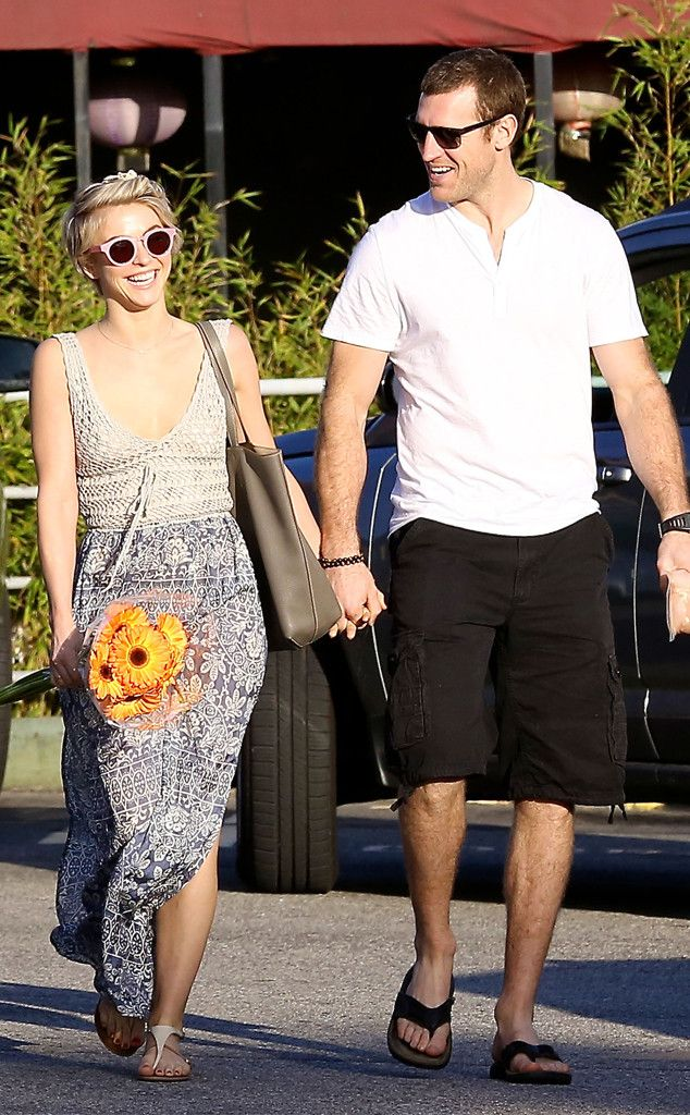 Julianne Hough & Brooks Laich from The Big Picture: Today's Hot Pics! | E! Online