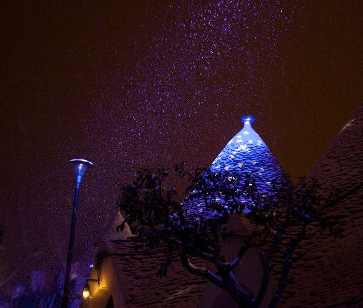 Alberobello tra Luci e Neve - by Marika Ramunno  #Alberobello #Trulli #Italia #Italy #Snow #Neve #Lights #Luci #Puglia #WeAreInPuglia