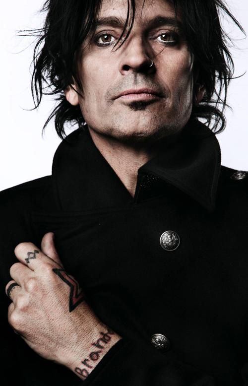 Tommy Lee Pictures