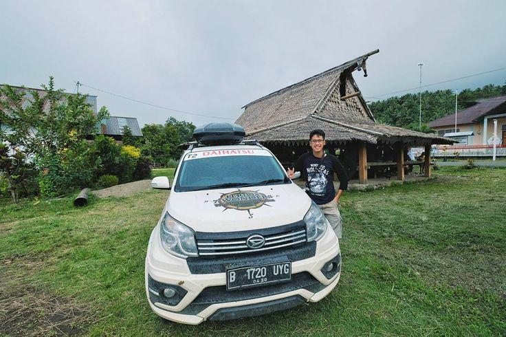 Jadi ternyata saya sudah 3 kali ikutan acara Terios 7 Wonders mulai dari: . 2014: Amazing Celebes Heritage Adventure 3000 KM perjalanan dari Manado hingga Wakatobi . 2015: Borneo Wild Adventure 2000 KM perjalanan dari Palangkaraya hingga Derawan . 2017: Wonderful Moluccas 2000 KM perjalanan melewati 3 pulau di Maluku Utara yaitu Ternate - Halmahera - Morotai . Next harusnya sih tinggal daratan Papua sih. Semoga masih diajak lagi sama @daihatsuind  (kode) . Terus cerita perjalanannya ada di…