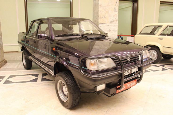 Polonez Analog, czyli z napędem 4x4 z 1994 r. Prototyp. Silnik 1.6/87 KM. Powstało 7 egz., do dziś zachowało się 6.